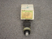 GENERAL ELECTRIC *OEM* MINATURE OILTIGHT PUSHBUTTON, PART# CR104A22